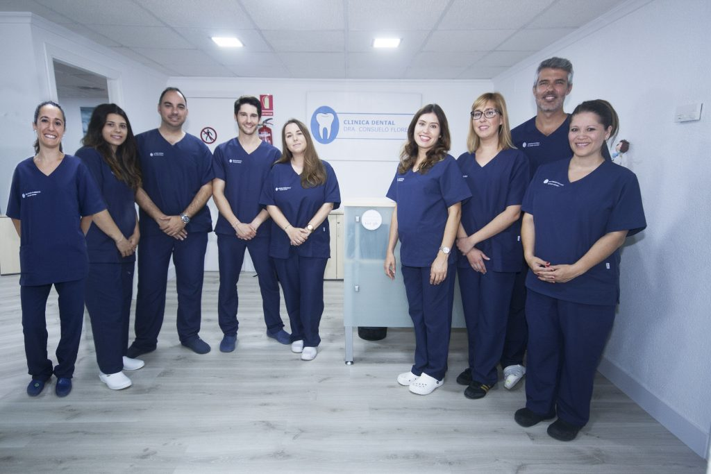 clinica dental consuelo flores: equipo humano