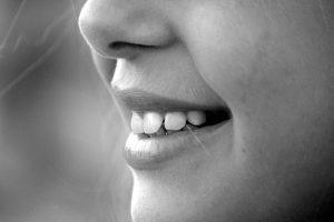 paciente de odontopediatria en san vicente sonriendo