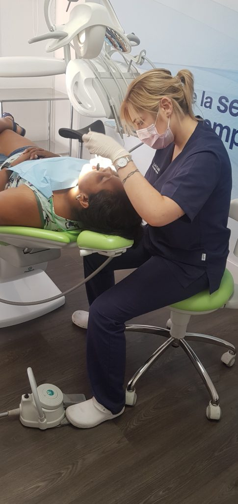 nuestra higienista bucodental laly leon