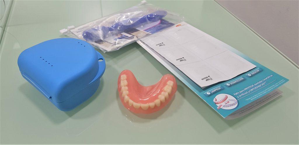 limpieza de protesis dental removible